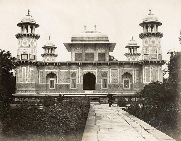 Wall Art - Photograph - India Mausoleum by Granger