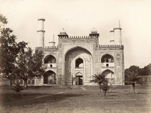 Wall Art - Photograph - India Sikandra Mausoleum by Granger