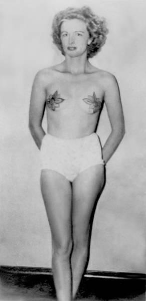 Upper Body Painting - Irene Tattooed Woman  by Larry Mora