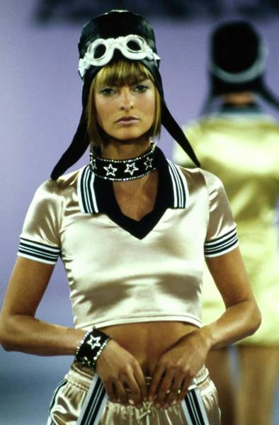Runway Model Photograph - Linda Evangelista On A Runway For Anna Sui by Guy Marineau