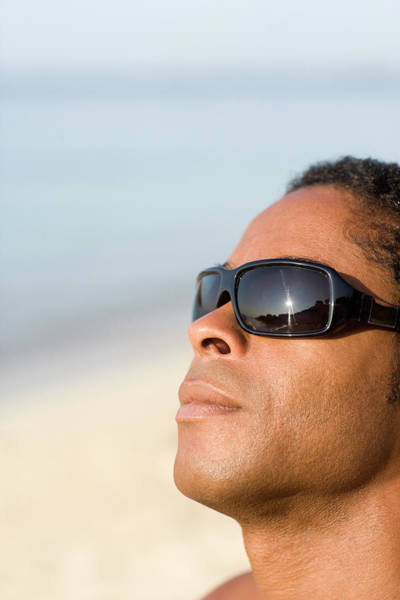 Wall Art - Photograph - Man Wearing Sunglasses by Ian Hooton/science Photo Library