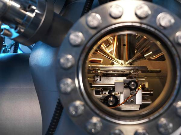 High Definition Photograph - Mass Spectrometer by Andrew Brookes, National Physical Laboratory