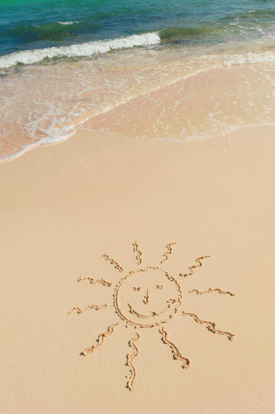 Yucatan Wall Art - Photograph - Mexico, Yucatan, Sun Drawing On Beach by Tetra Images