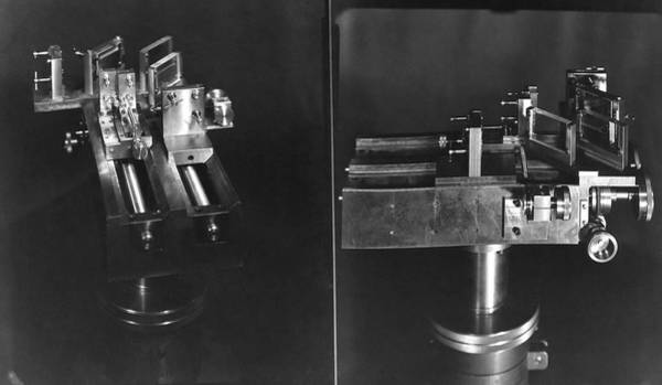 Wall Art - Photograph - Michelson Interferometer by Emilio Segre Visual Archives/american Institute Of Physics/science Photo Library