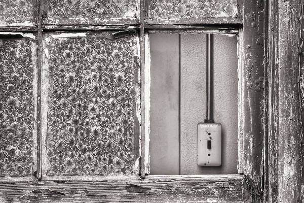 Photograph - Missing Window Pane by Gary Slawsky