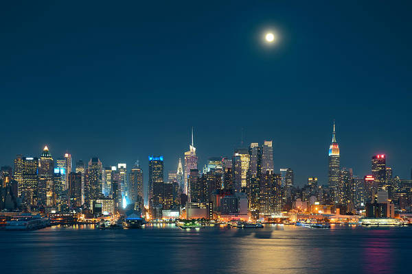 Wall Art - Photograph - Moon Rise Manhattan by Songquan Deng