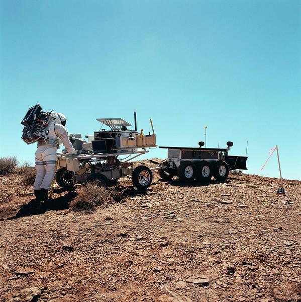Trailer Photograph - Nasa Field Test by Nasa/science Photo Library