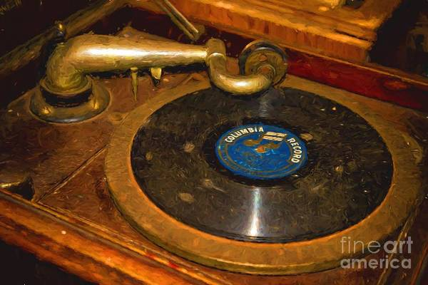 Photograph - Old Phonograph by Les Palenik