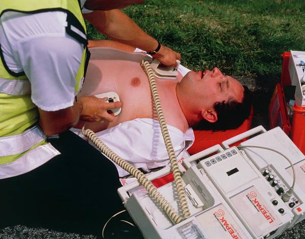 Heart Attack Wall Art - Photograph - Portable Defibrillator Machine by Adam Hart-davis/science Photo Library