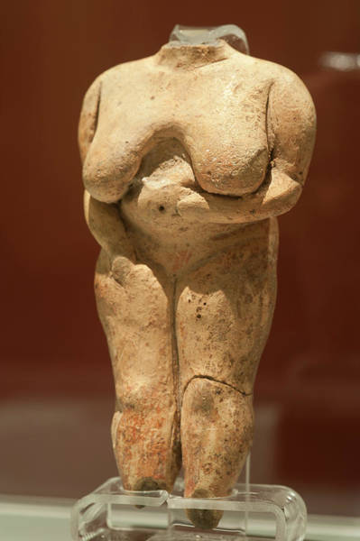 Malta Photograph - Prehistoric Clay Statuette by Marco Ansaloni / Science Photo Library