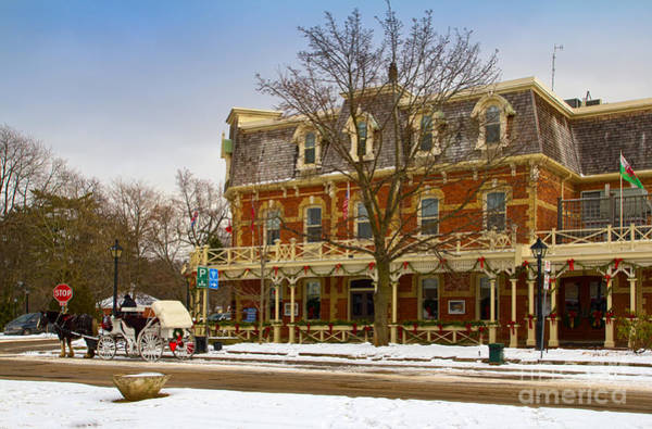 Photograph - Prince Of Wales Hotel In Niagara On The Lake by Les Palenik