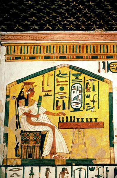 Hieroglyph Photograph - Queen Nefertari Playing Senet by Patrick Landmann/science Photo Library