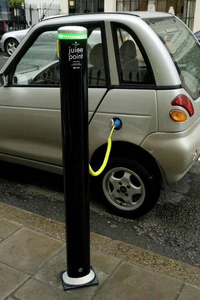 Plug-in Photograph - Recharging An Electric Car by Jerry Mason/science Photo Library