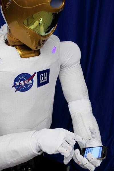 Tweets Photograph - Robonaut 2 Using Twitter by Nasa/science Photo Library