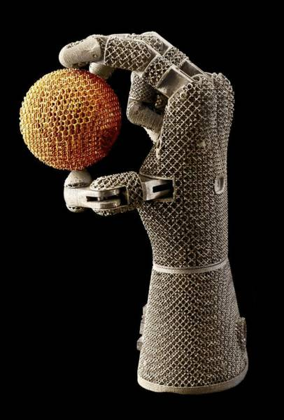 Oak Ridge National Laboratory Photograph - Robot Hand by Jason Richards, Oak Ridge National Laboratory/science Photo Library