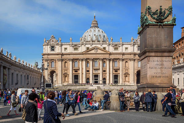 Saint Peters Square Photograph - Rome, Italy.  St. Peters by Ken Welsh