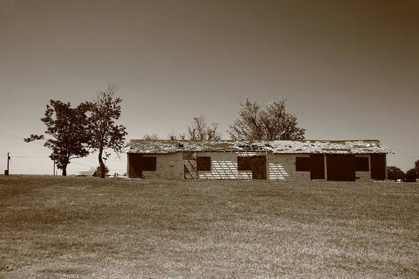 Photograph - Route 66 - Abandoned Motel by Frank Romeo