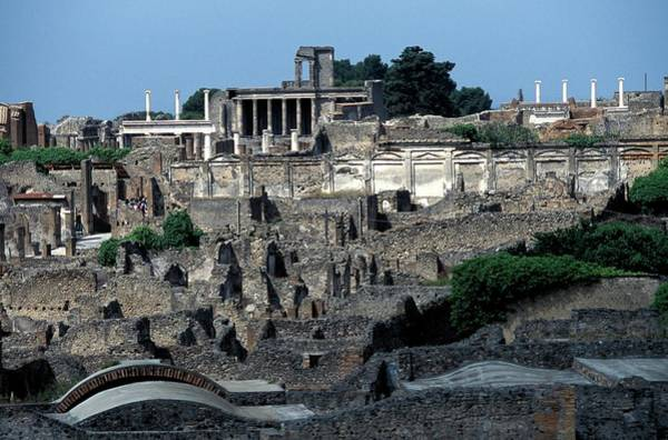 Roman Wall Photograph - Ruins Of Pompeii by Patrick Landmann/science Photo Library