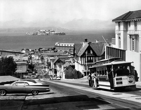 Wall Art - Photograph - San Francisco Cable Car by Underwood Archives