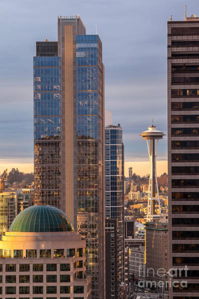 Space Needle Wall Art - Photograph - Seattle Space Needle Golden Sunset Light by Mike Reid