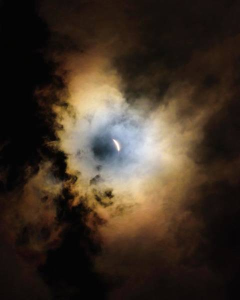 Totality Photograph - Solar Eclipse by Babak Tafreshi/science Photo Library