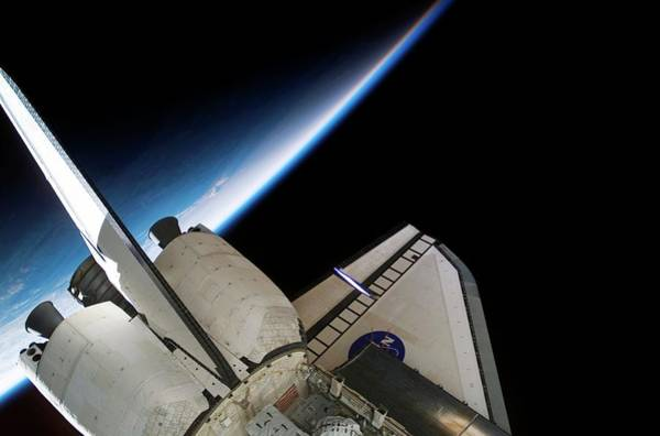 Endeavour Photograph - Space Shuttle Endeavour by Nasa/science Photo Library