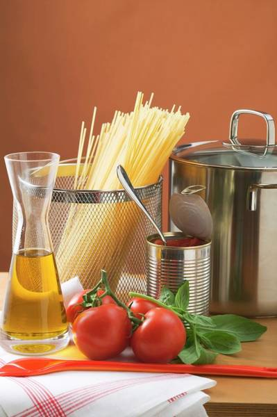 Vegies Photograph - Spaghetti, Tomatoes, Oil And Pan by Foodcollection