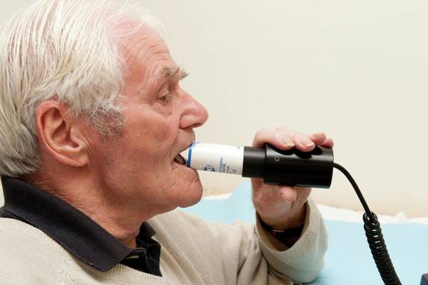 Wall Art - Photograph - Spirometry Test Of A Copd Patient by Dr P. Marazzi/science Photo Library