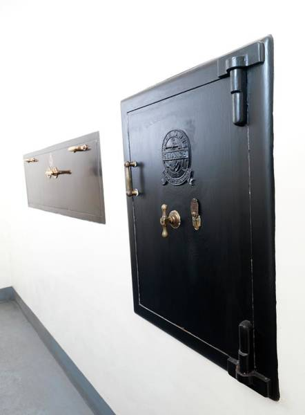 Wall Art - Photograph - Storage Safes by Andrew Brookes, National Physical Laboratory/science Photo Library