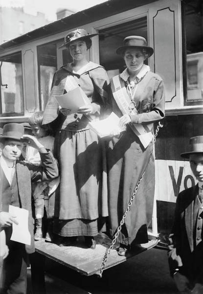 Wall Art - Photograph - Suffragists Dolly Kimbrough And Mildred by Stocktrek Images
