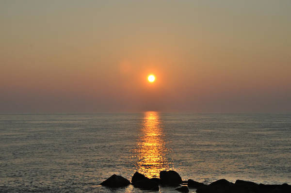Jetti Wall Art - Photograph - Sunrise On The Ocean by Bill Cannon