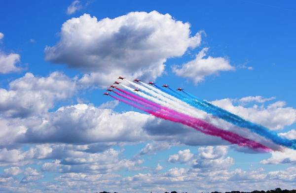 Aerobatics Wall Art - Photograph - The Red Arrows. by Mark Williamson/science Photo Library
