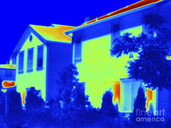 Infrared Radiation Photograph - Thermogram Of A House by GIPhotoStock