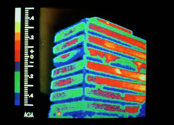 Wall Art - Photograph - Thermogram Of Heat Loss From Multi-storey Office by Williams & Metcalf/science Photo Library