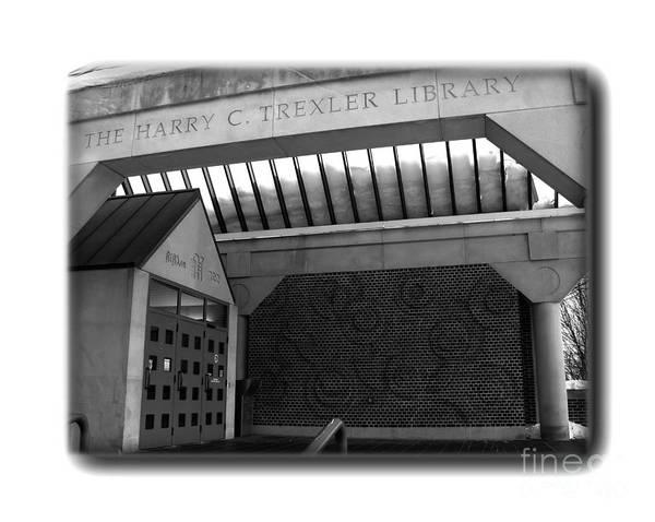 Muhlenberg Photograph - Trexler Library - Border - Bw by Jacqueline M Lewis