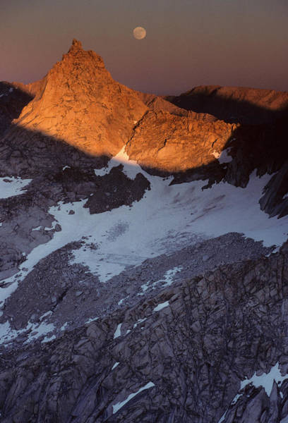 Kings Canyon Photograph - Usa, Sawtooth Peak, Sunset, Moonrise by Gerry Reynolds