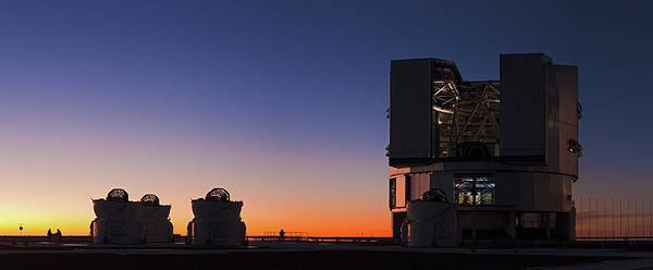 Astronomical Twilight Photograph - Very Large Telescope by Babak Tafreshi/science Photo Library