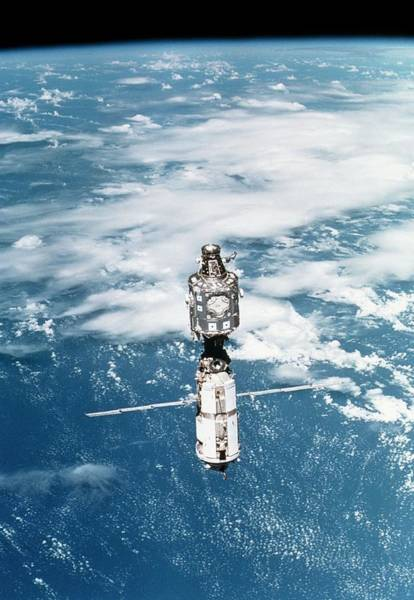 Iss Photograph - View Of The International Space Station by Nasa/science Photo Library