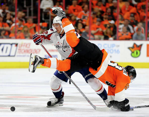 Stanley Cup Playoffs Photograph - Washington Capitals V Philadelphia by Elsa