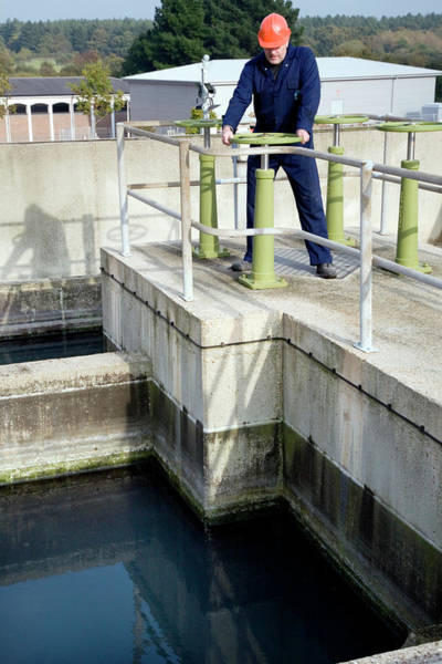 Southampton Water Wall Art - Photograph - Water Treatment by Paul Rapson/science Photo Library