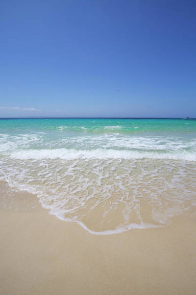 Wall Art - Photograph - White Sand Island Beach With Crystal by Chris Caldicott