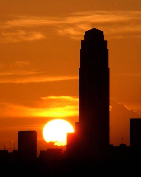 Photograph - Williams Tower Sunset by Dwight Theall