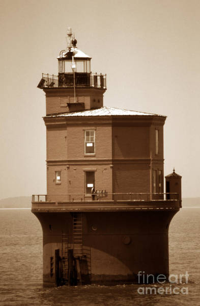 Virginia Lighthouse Photograph - Wolftrap Lighthouse by Skip Willits