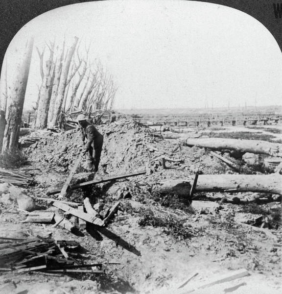 Wall Art - Painting - World War I Menin Road by Granger