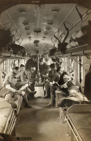 Wall Art - Photograph - Wwi Hospital Train, 1918 by Granger