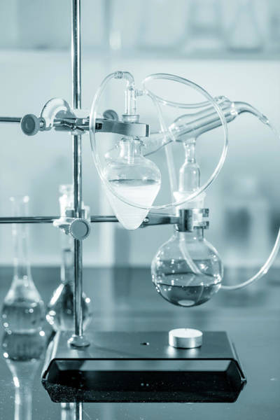 Flask Wall Art - Photograph - Chemistry Experiment In Lab by Wladimir Bulgar