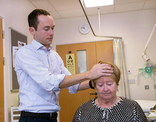 Medical Image Photograph - Parkinson's Disease Research by Rob Judges/oxford University Images