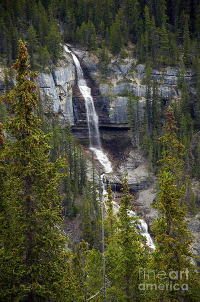 Photograph - 1043p Bridal Veil Falls Canada by Cindy Murphy - NightVisions