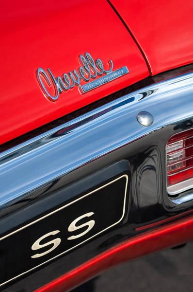 Chevy Chevelle Wall Art - Photograph - 1970 Chevrolet Chevelle Ss Taillight Emblem by Jill Reger