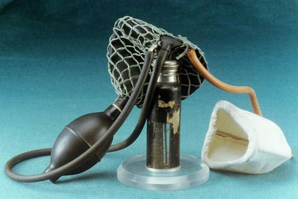 Ferdinand Photograph - Anaesthetic Inhaler by Science Photo Library